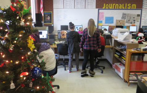 Journalism students statewide tackle holiday deadlines
